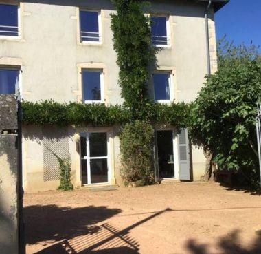 Maison à rénover possibilité chambres d'hôtes Azé